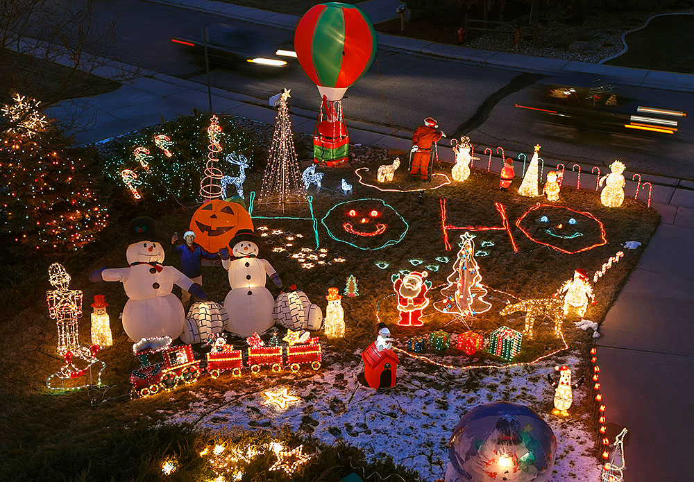 2014 christmas front yard