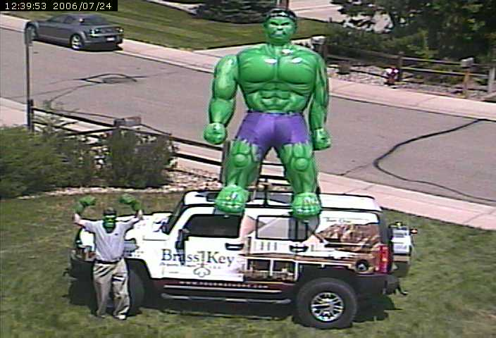 http://www.watching-grass-grow.com/pictures/hulk-hummer/hulk-hummer-webcam.jpg